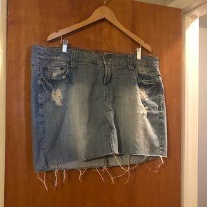 Distressed jean mini
